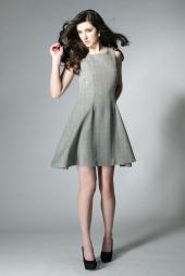 http://photos.modelmayhem.com/photos/120301/04/4f4f6e52608a5_m.jpg