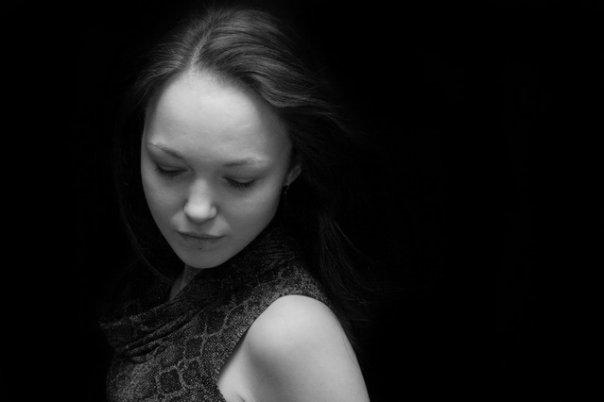 Female model photo shoot of Shinarah