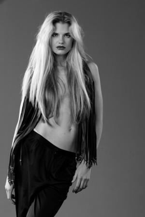 Female model photo shoot of Raquel Alessi in Chris Huzzard Studios