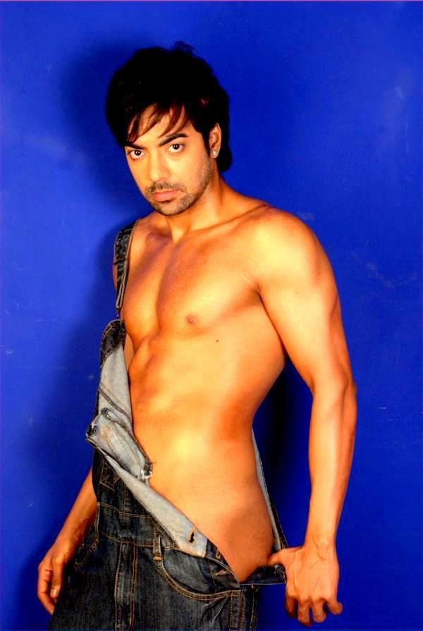 Male model photo shoot of Sanntosh Kumar in Mumbai, India