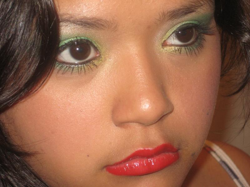 Female model photo shoot of Rebecca Simmons