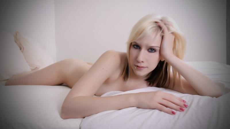 Female model photo shoot of KawaiiKitten