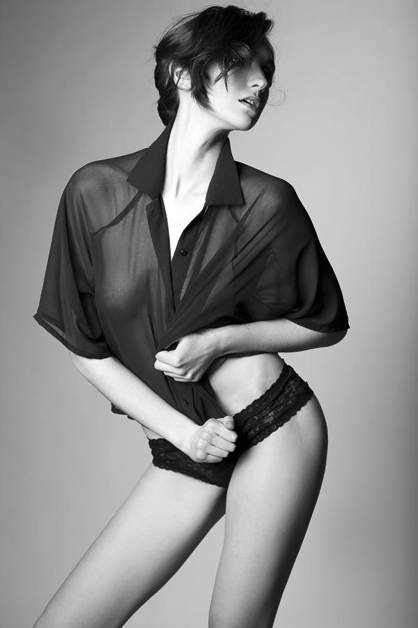 Female model photo shoot of Suzii Hele by Alex_Lim
