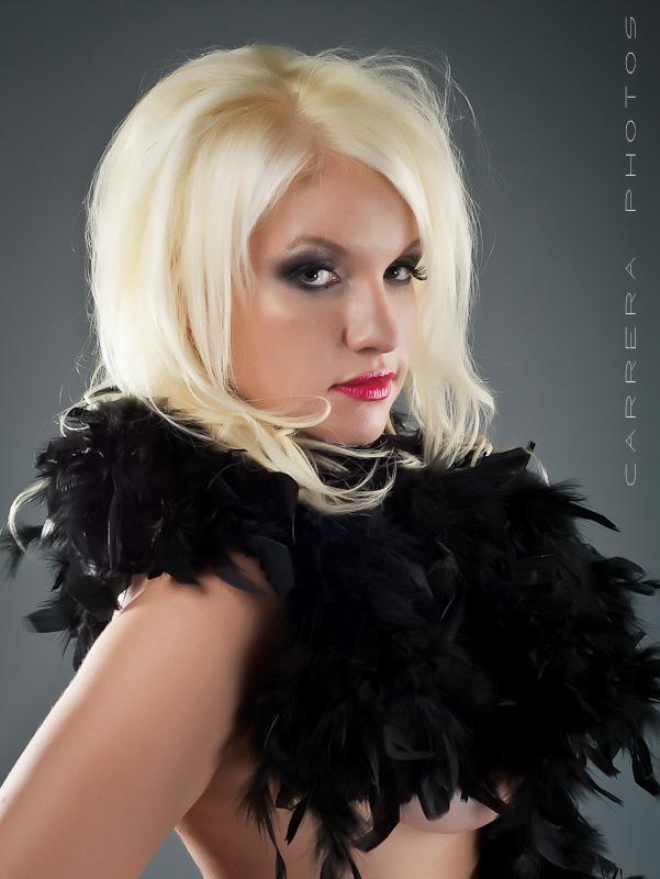http://photos.modelmayhem.com/photos/120314/19/4f61525d395cf.jpg