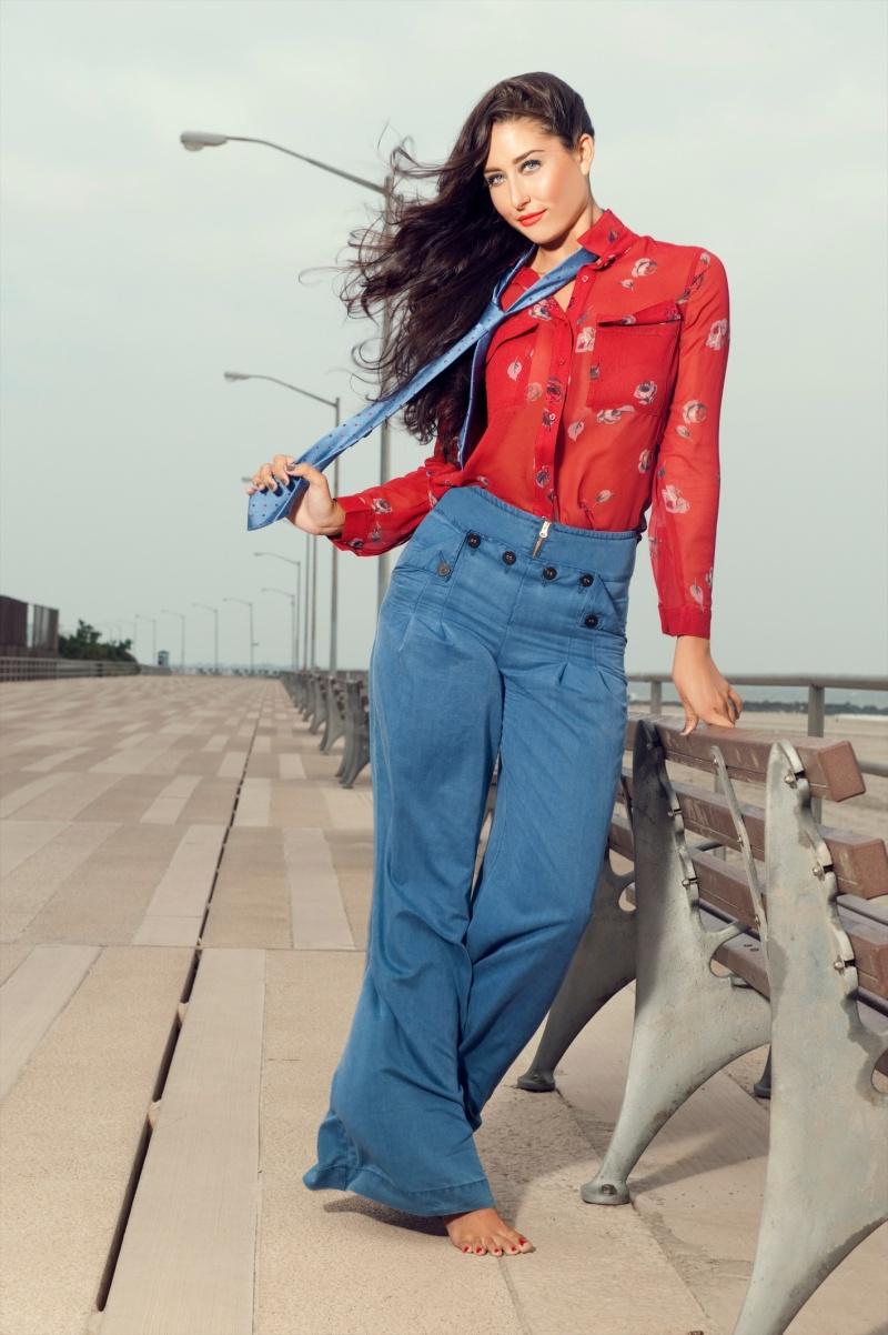 Female model photo shoot of Shaniece Jones  in Rockaway Beach