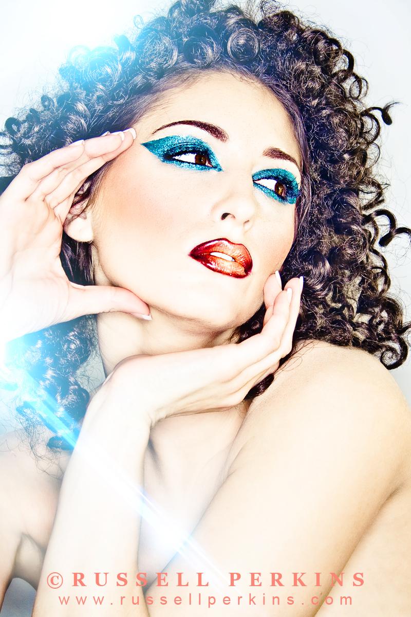 http://photos.modelmayhem.com/photos/120317/08/4f64ad9d7b53c.jpg