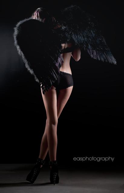 http://photos.modelmayhem.com/photos/120317/17/4f652c53d34cc.jpg