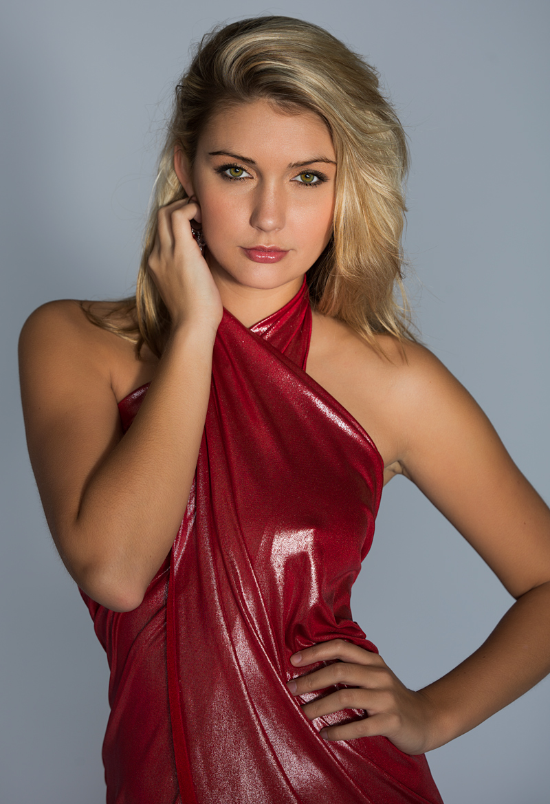 Female model photo shoot of Alyssa Sydney by Robert Undi Photo