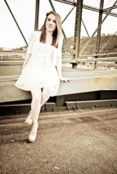 http://photos.modelmayhem.com/photos/120319/20/4f67ffaa5d4d5_m.jpg