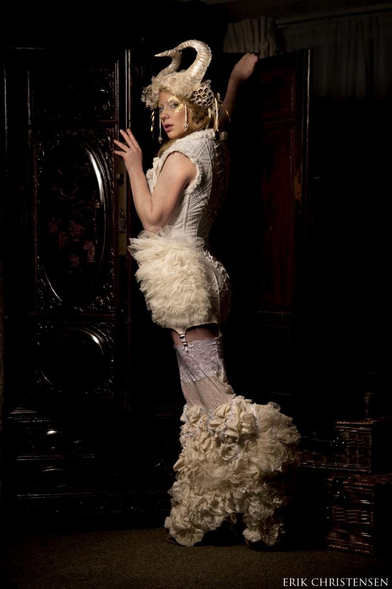 Mar 20, 2012 Idolatre Clothing