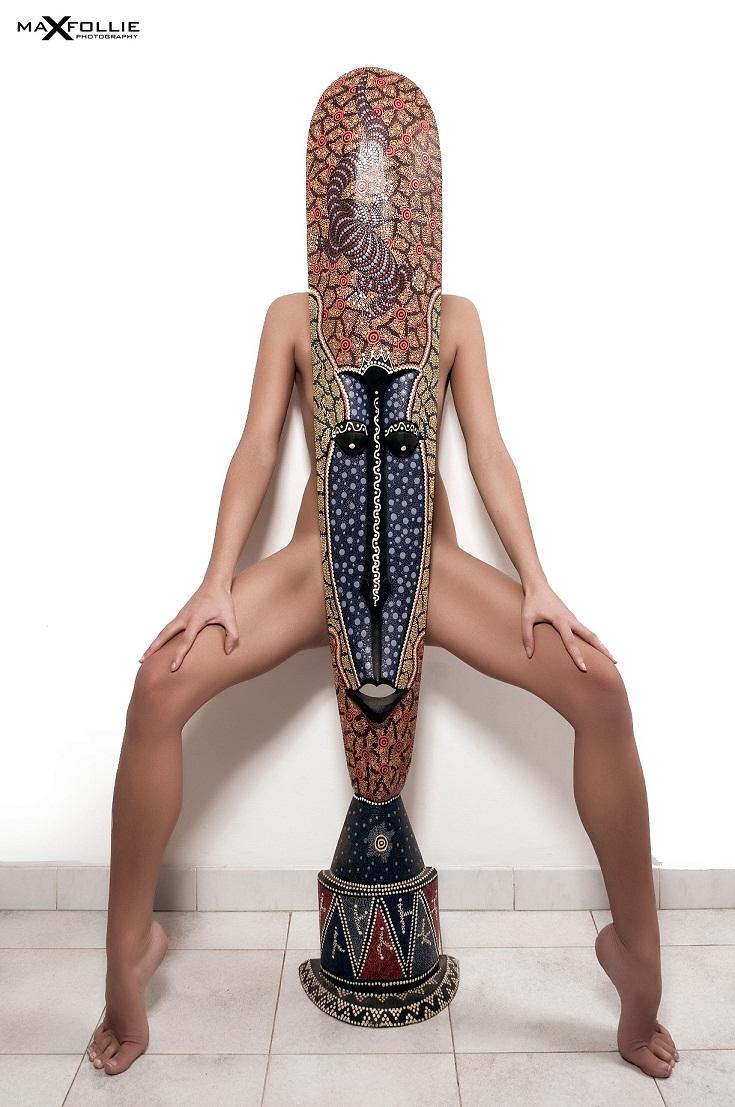 Female model photo shoot of Caruso Daniela  in 1