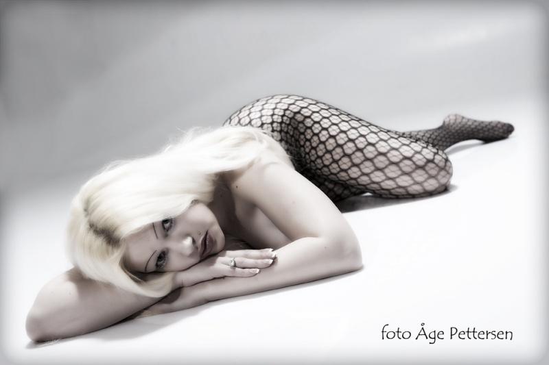 Female model photo shoot of Christine Nygaard