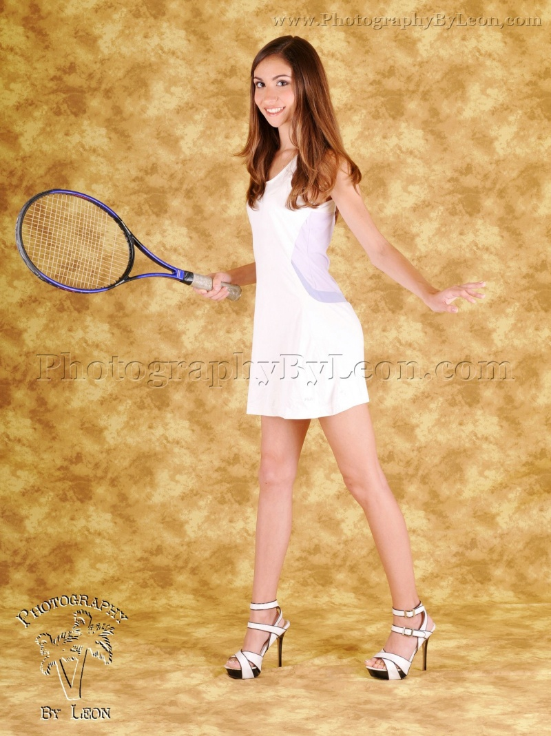 Female model photo shoot of Lynn Telzer by PhotographyByLeon