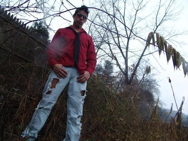 Male model photo shoot of Joshua Jerry James