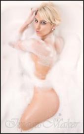 https://photos.modelmayhem.com/photos/120323/23/4f6d66dc34182_m.jpg
