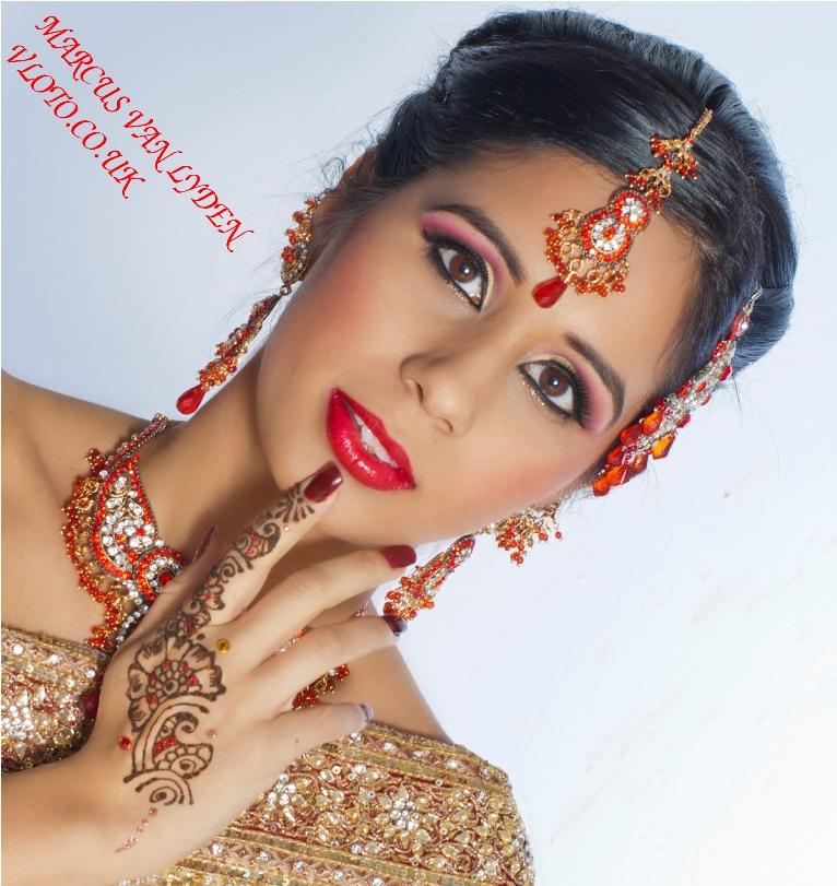 http://photos.modelmayhem.com/photos/120325/23/4f7007d052b23.jpg