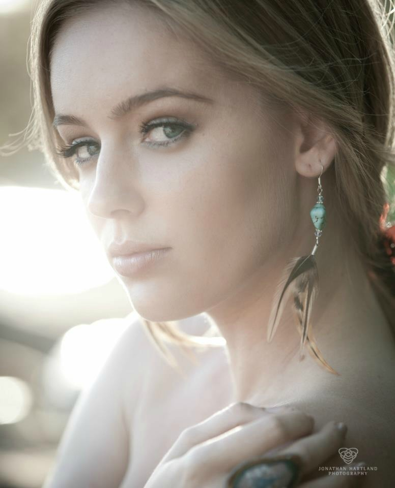 Female model photo shoot of Emily Clay