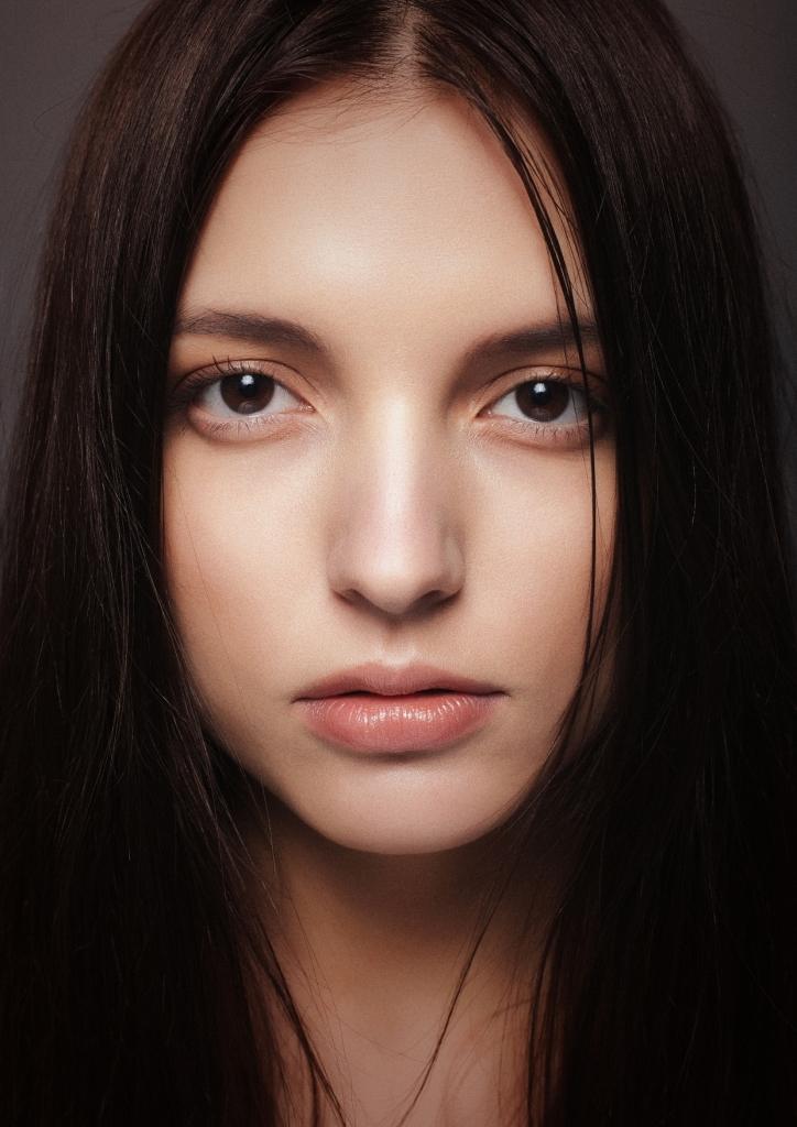Female model photo shoot of Katarzyna_Levshova