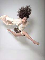 https://photos.modelmayhem.com/photos/120405/15/4f7e17b68ba82_m.jpg
