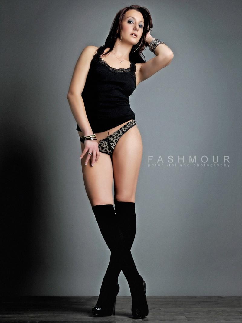 http://photos.modelmayhem.com/photos/120406/20/4f7faf8945877.jpg