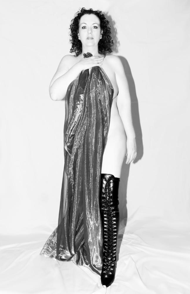 Male model photo shoot of peel to open