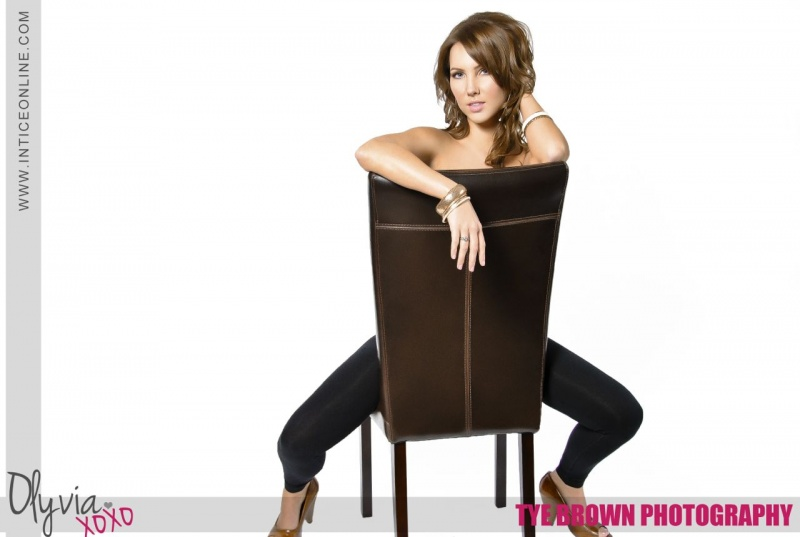 Female model photo shoot of Olyvia