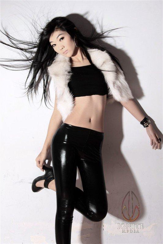 http://photos.modelmayhem.com/photos/120416/17/4f8cb8c23614d.jpg