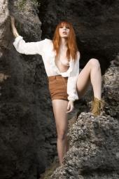 https://photos.modelmayhem.com/photos/120416/18/4f8cc44b0563c_m.jpg