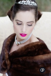 https://photos.modelmayhem.com/photos/120416/19/4f8cda75596a5_m.jpg