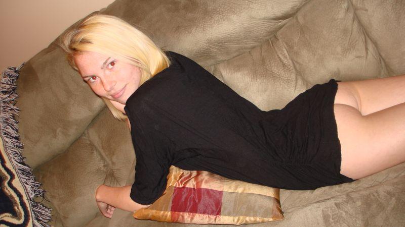 Female model photo shoot of Heidiw