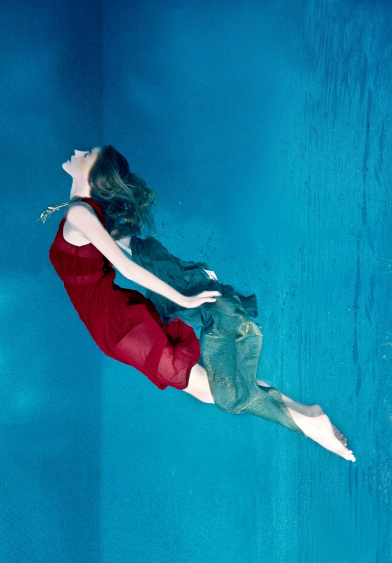 Apr 17, 2012 Underwater