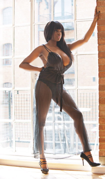 Female model photo shoot of Verona Rose