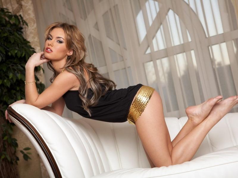 Female model photo shoot of Annexia in Frankfurt