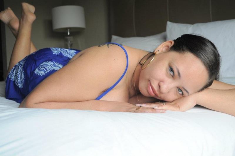 Female model photo shoot of Devilish Delusions