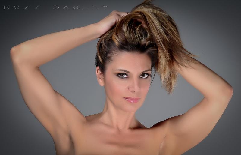 http://photos.modelmayhem.com/photos/120419/09/4f903b6e67465.jpg