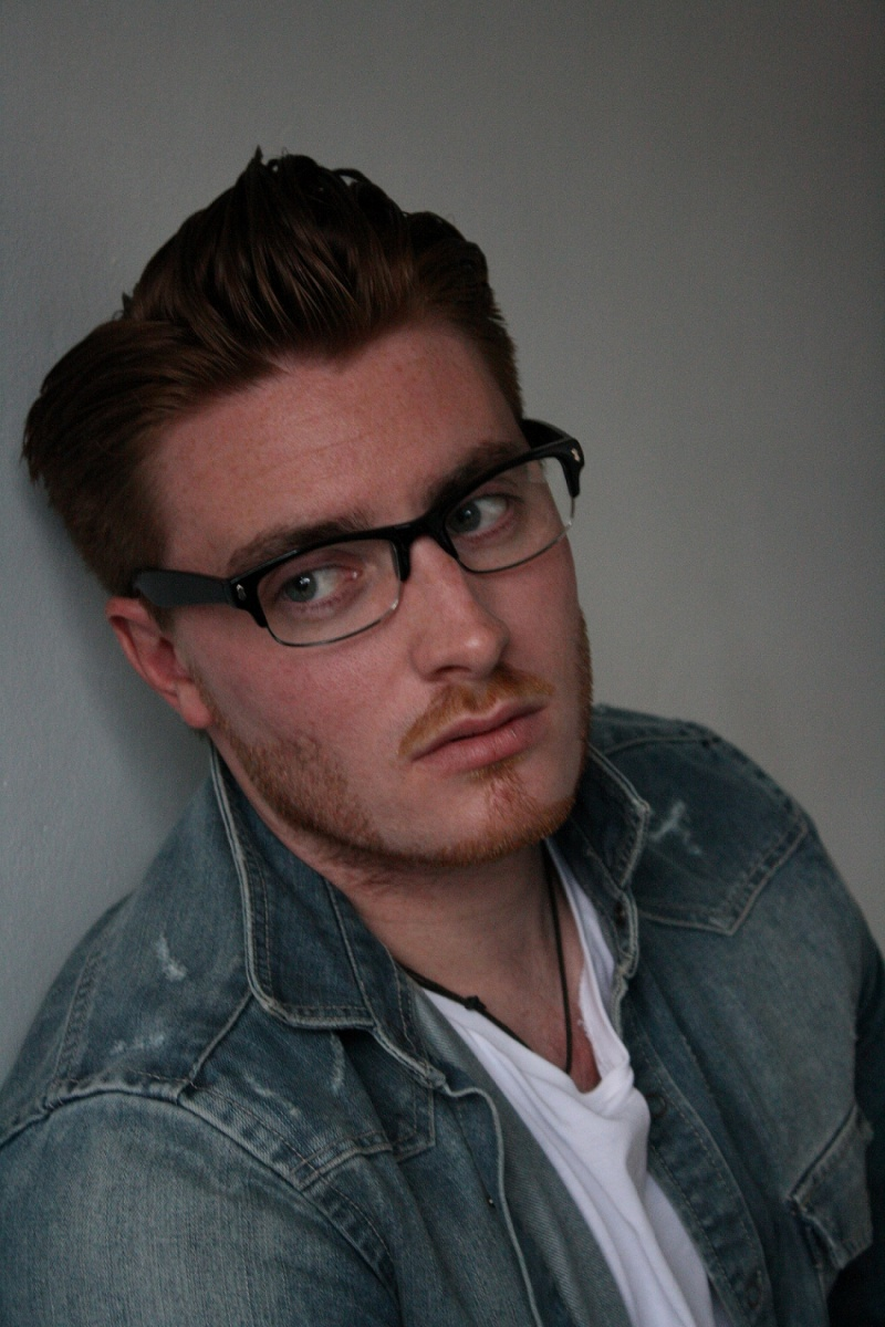 Male model photo shoot of Ricci Martin