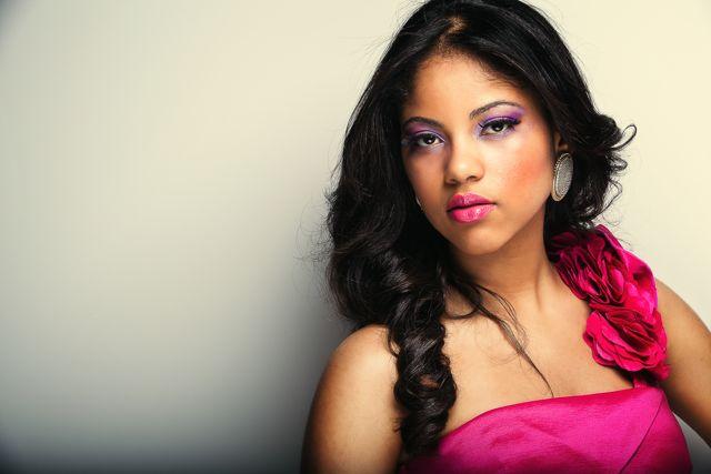 Female model photo shoot of The Beauty Experience by Ludwig Araujo