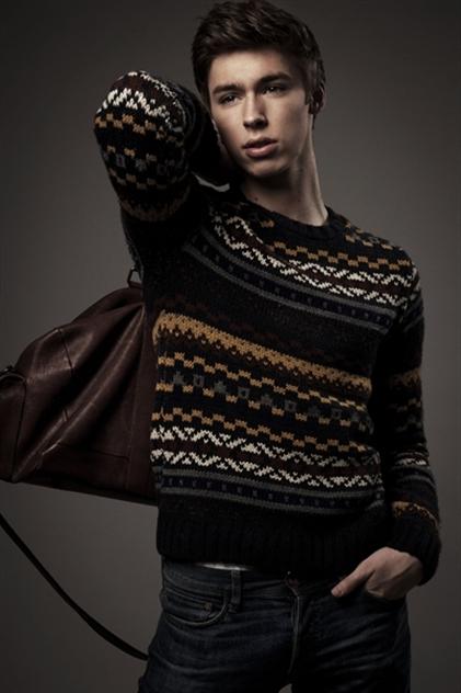 Male model photo shoot of Joseph Gray