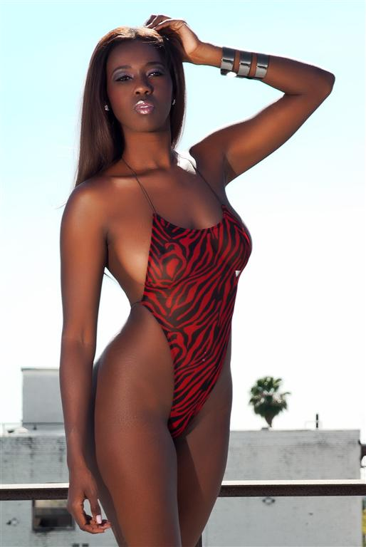 MY ROOFTOP Apr 23, 2012 ROBERTO GAMEZ PHOTOGRAPHY SULTRY