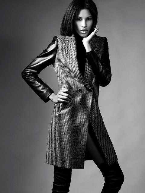 Female model photo shoot of Elle King