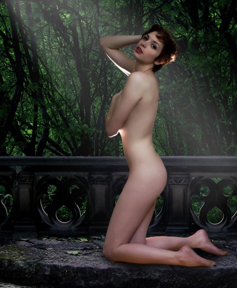http://photos.modelmayhem.com/photos/120423/14/4f95c7128cb4b.jpg