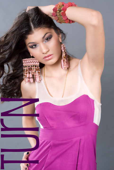 http://photos.modelmayhem.com/photos/120424/18/4f974f309c483.jpg