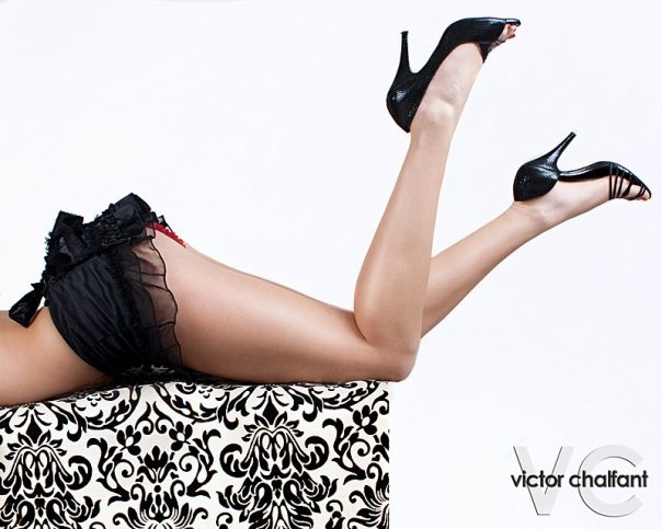 Female model photo shoot of Laura M Fickett by Victor C