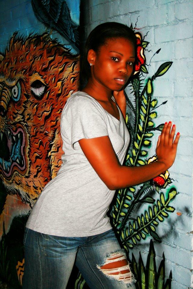 Female model photo shoot of Dreamy Daniels