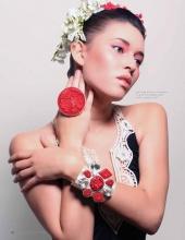 http://photos.modelmayhem.com/photos/120429/00/4f9cef911d1e4_m.jpg
