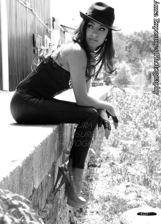 Female model photo shoot of Michelle Hooker