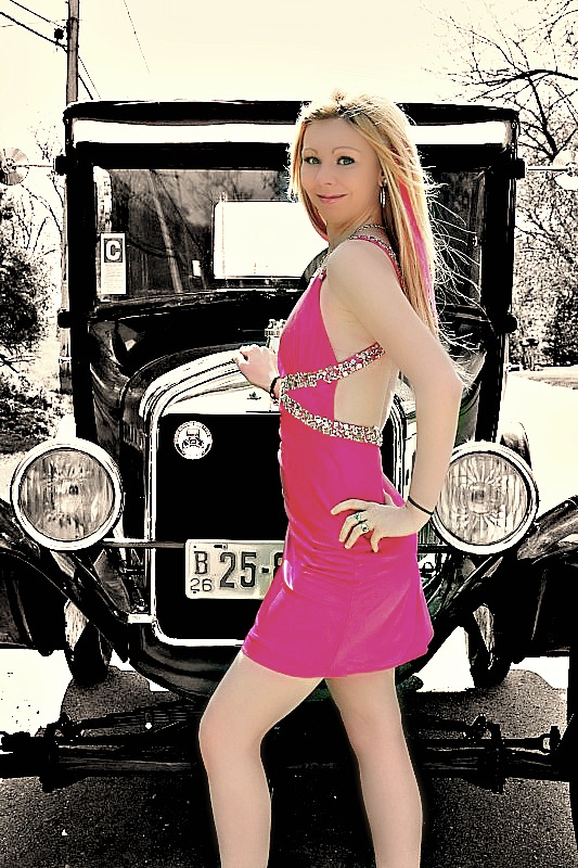 https://photos.modelmayhem.com/photos/120429/20/4f9e01b8d84b6.jpg