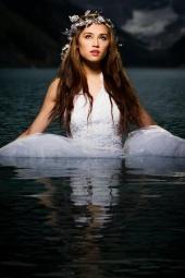 http://photos.modelmayhem.com/photos/120502/11/4fa180bd7c10a_m.jpg