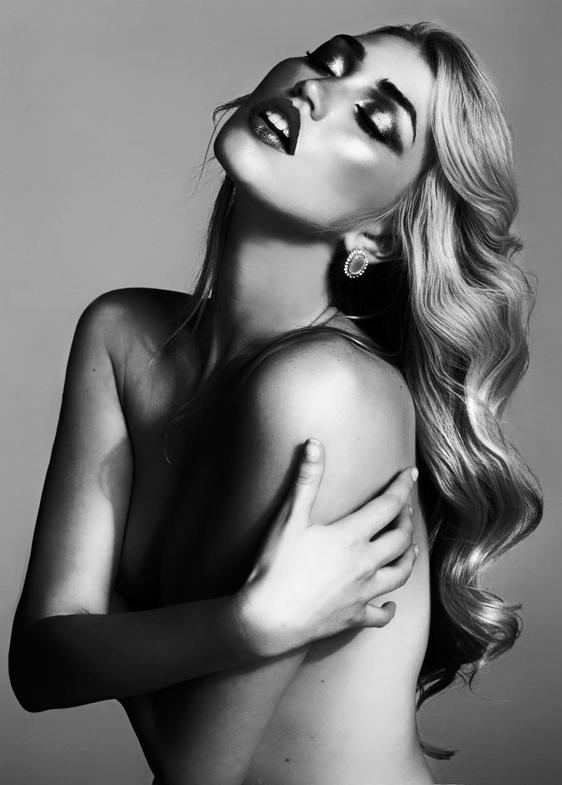 Female model photo shoot of Iman Haji in LA