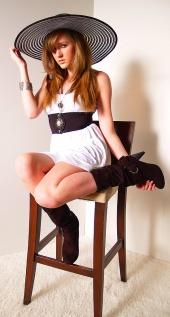 https://photos.modelmayhem.com/photos/120508/18/4fa9c4209b6f5_m.jpg